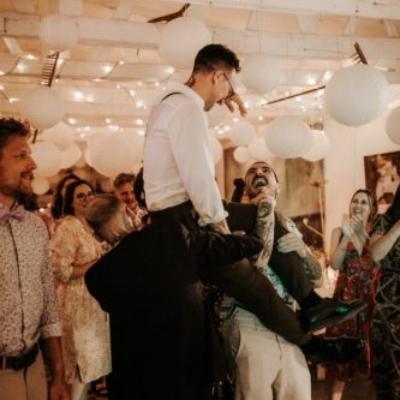 Ausgelassene Stimmung bei einer Hochzeit mit 9to5 2019